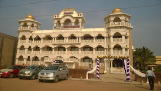 Lucky India Royal Heritage Hotel Puri, located in Odisha, is a magnificent property to reside.