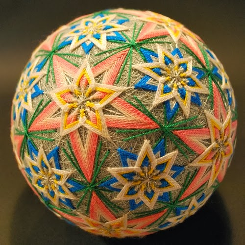 15-Embroidered-Temari-Spheres-Nana-Akua-www-designstack-co