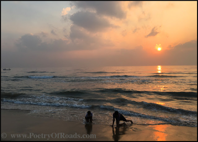 Marina of Madras - Sunrise over an urban Beach