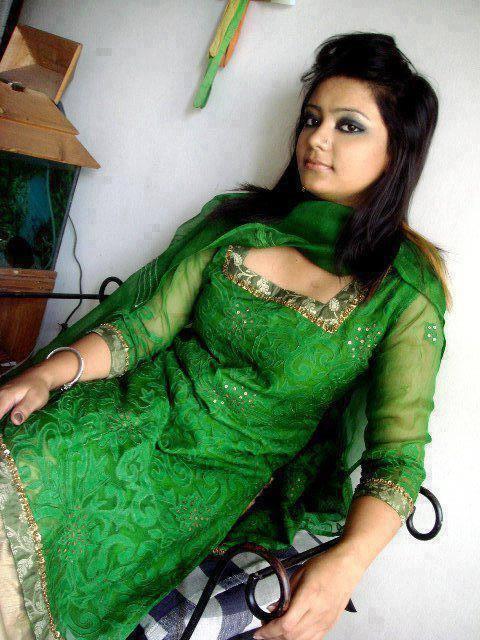 Only Desi Girl Wallpaper Download Deshi Girl-8674