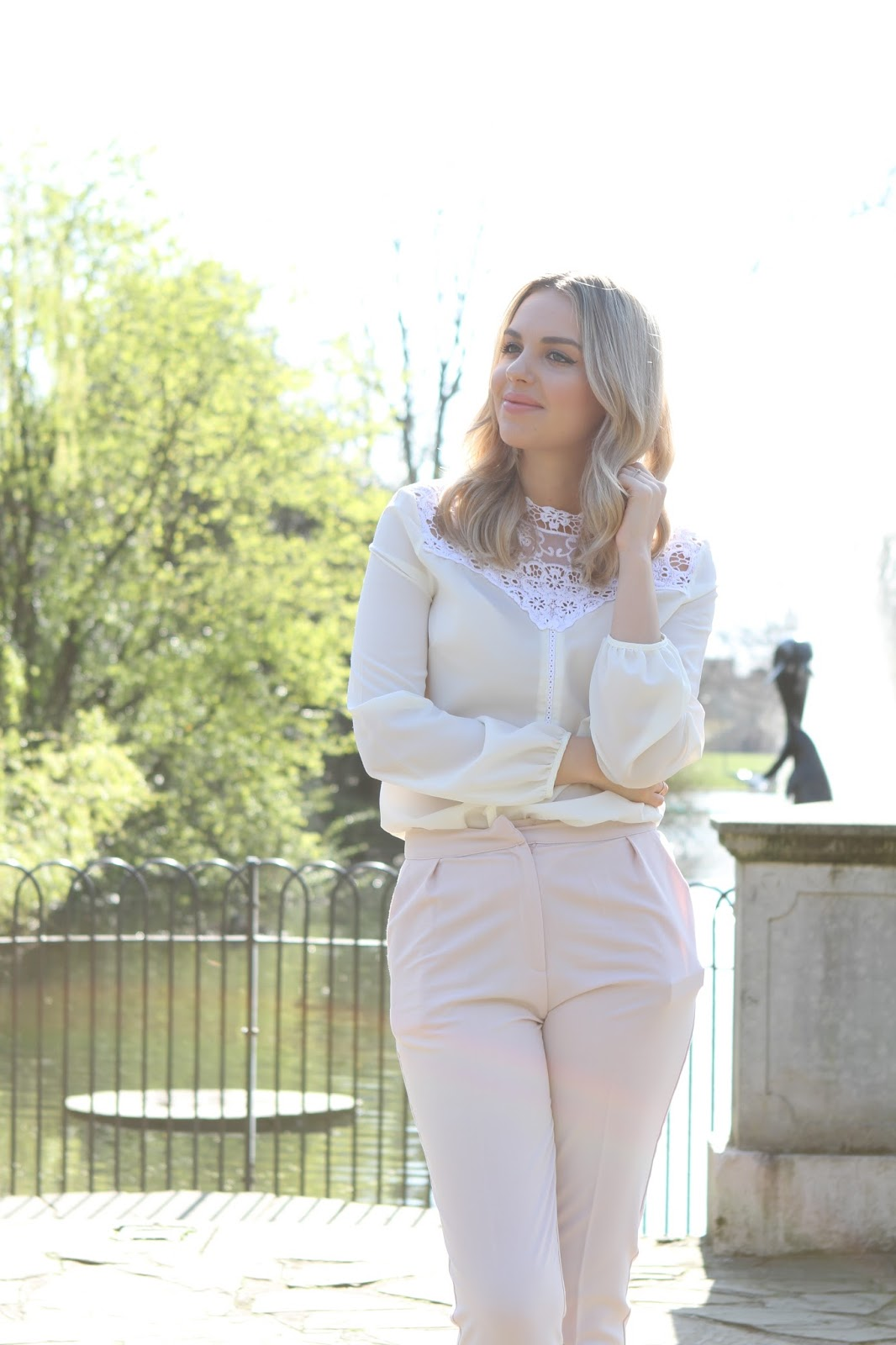 Ellie Adams, The Elle Next Door, Fashion Blogger, Lifestyle blogger, The Blogger Agent Elle,