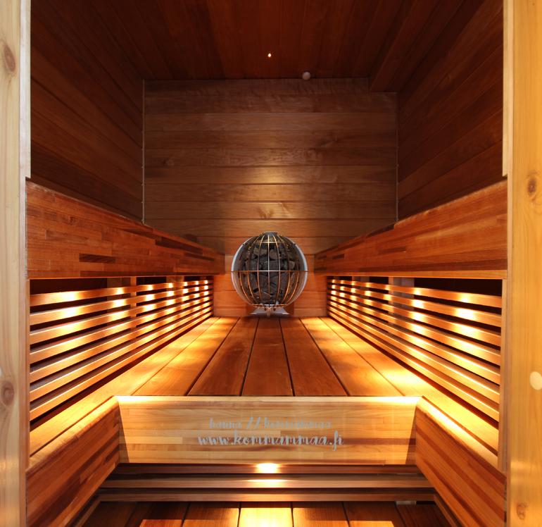 sauna pallokiukaalla