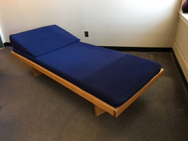 Great I will be selling it next month Solid Oak Hardwood Daybed Couch Dedham https boston craigslist org gbs fuo html