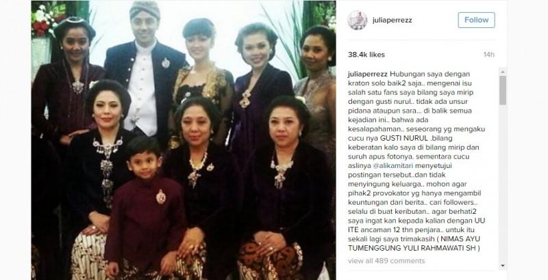 Julia Perez berfoto dengan keluarga Gusti Nurul