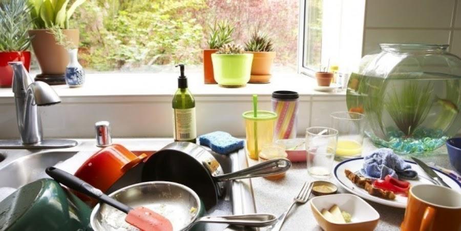 Objetos amontonados por toda la cocina se interpreta como: resentimiento y fragilidad sentimental