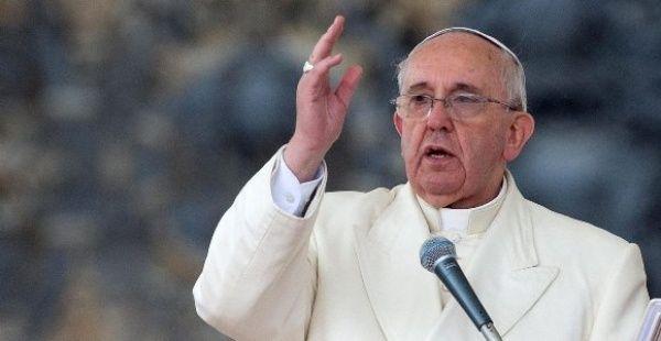 Papa ora por familiares y tripulantes de submarino argentino