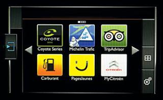 mobiphone une tablette de base dans les c4 picasso. Black Bedroom Furniture Sets. Home Design Ideas