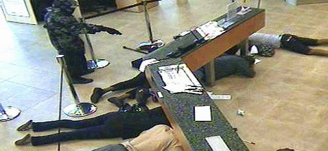 Robbery In Delta bank, police flee