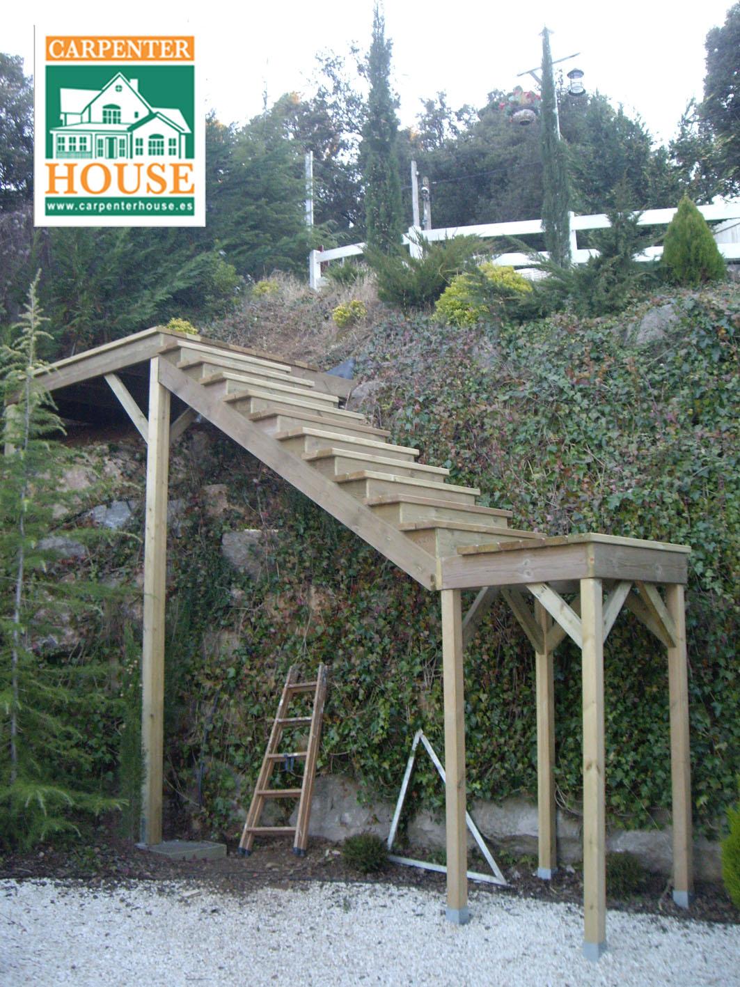 Carpenter House Construccion De Una Escalera Exterior - Escaleras-de-madera-para-exteriores