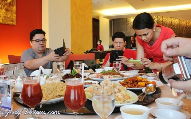 Food Bloggers at Phoenix Court, Bellevue Hotel Manila