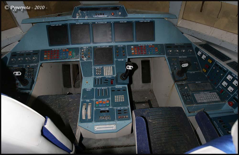 Orbiter Spaceport: Hermes space shuttle interior, cockpit ...