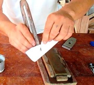 Probar filo cortando papel