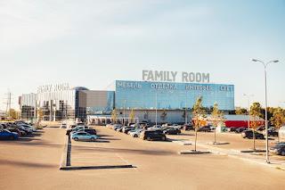 Сеть мебельных центров Family Room