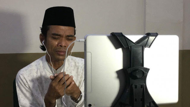 Terharu, Ustadz Abdul Somad Menangis Saat Berdoa Untuk Jamaah di Hongkong, ini Kata Warganet