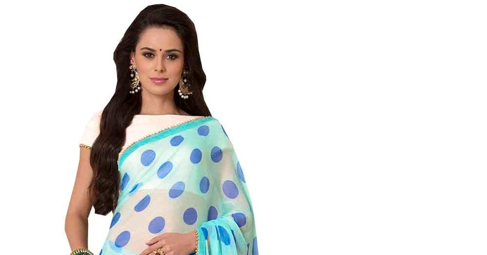 Slim Women Guidelines to Looking Curvy In a Saree