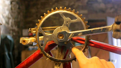 Recuperating bicycles parts for pedal powered washing machine