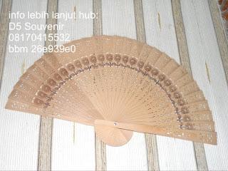 souvenir kipas, souvenir kipas cendana, souvenir kipas batik, souvenir pernikahan mewah, souvenir pernikahan murah