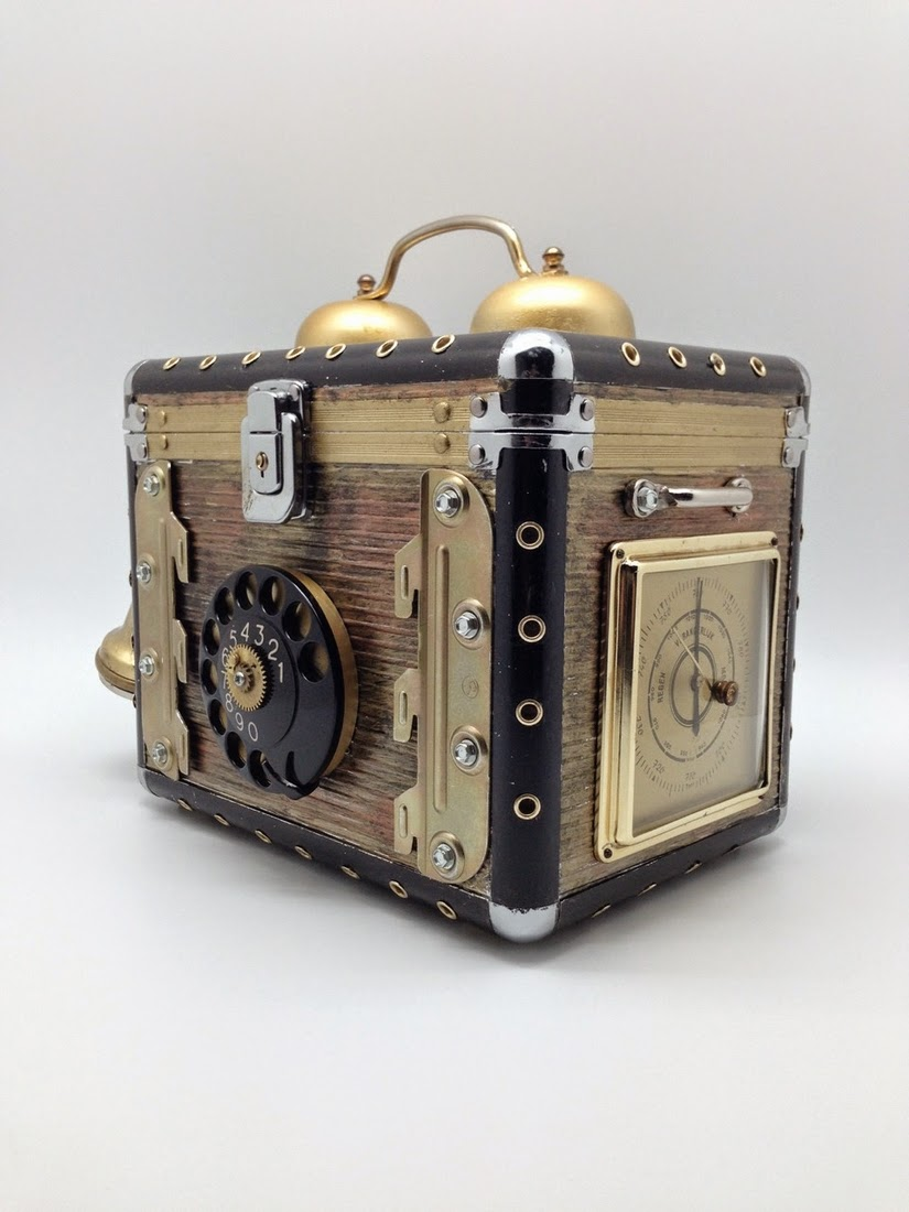 15-Van Halen Co-Steampunk Sculptures Wonderland-www-designstack-co