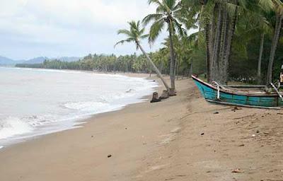 6 Tempat Wisata Pantai Di Pekalongan Yang Ramai Dikunjungi Wisatawan