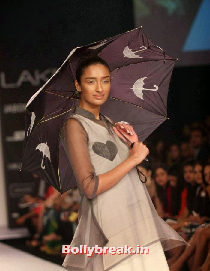 Kanishtha Dhankar, Indian SuperModels Ramp Walk at Gen Next Show at Lakme Fashion Week 2014