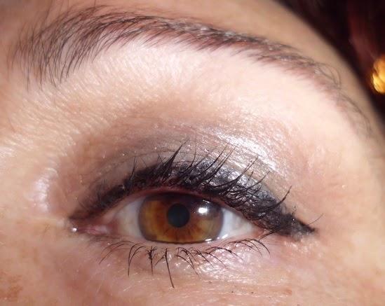 maquillaje de ojos beige