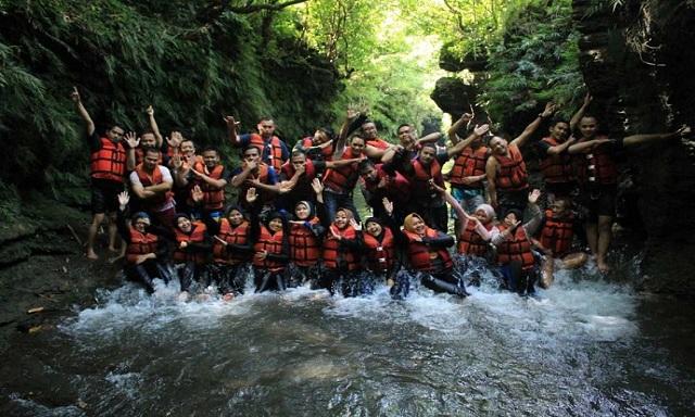 Paket Premium Santirah River Tubing