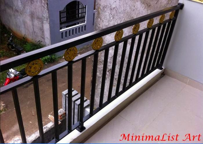 Balkon Besi Minimalis