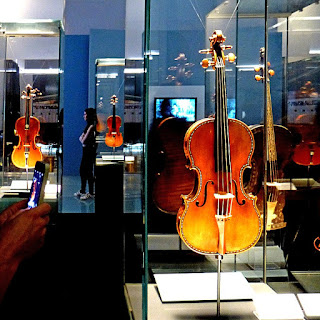 Exhibits at Cremona's Museo del Violino