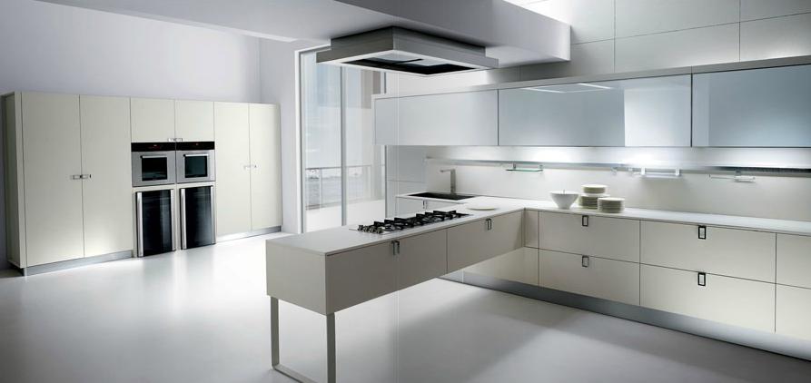 Cuando la zona de cocci n es el centro de mando cocinas for Cocinas minimalistas blancas