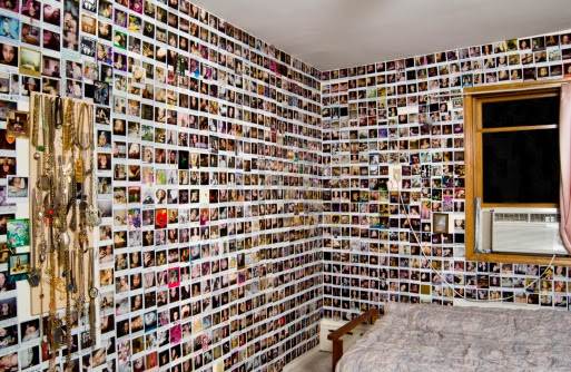 How To Decorate Your Walls with No Nails and No Paint   Home And ...
