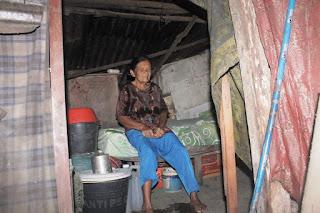 Memprihatinkan! Selama 1 Tahun Terakhir, Nenek Niarti Bertahan Hidup dengan Minum Air Rebusan Batu