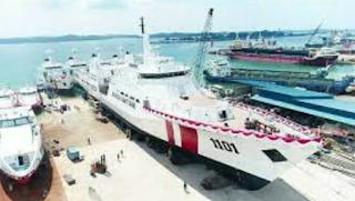 Sebagai negara Kepulauan dan mempunyai garis panjang pantai terbesar Kabar Terbaru- KAPAL TERBESAR DI INDONESIA