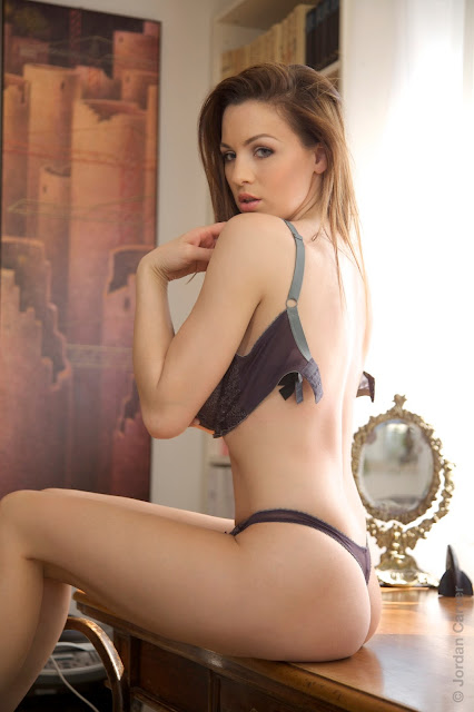 hot-jordan-carver-table-sexy-photo-shoot-hd-7