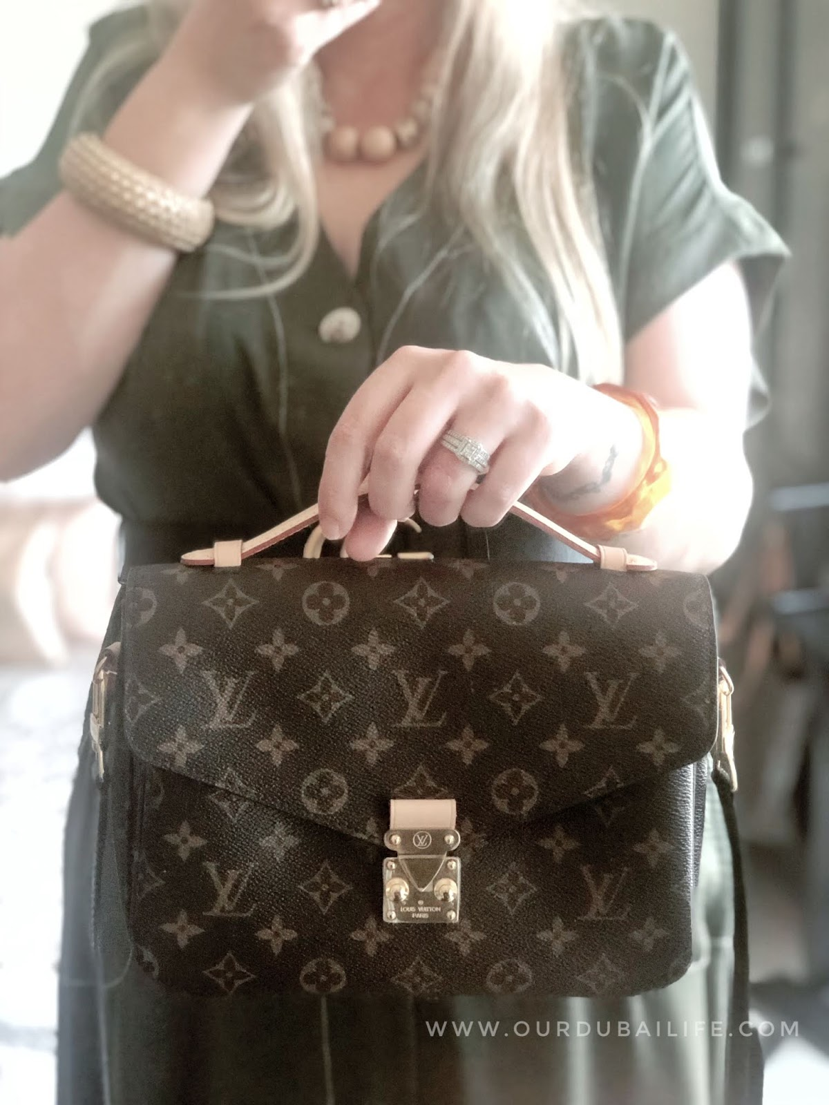 Louis Vuitton Pochette Métis : Luxury Reveal https://www.ourdubailife.com/