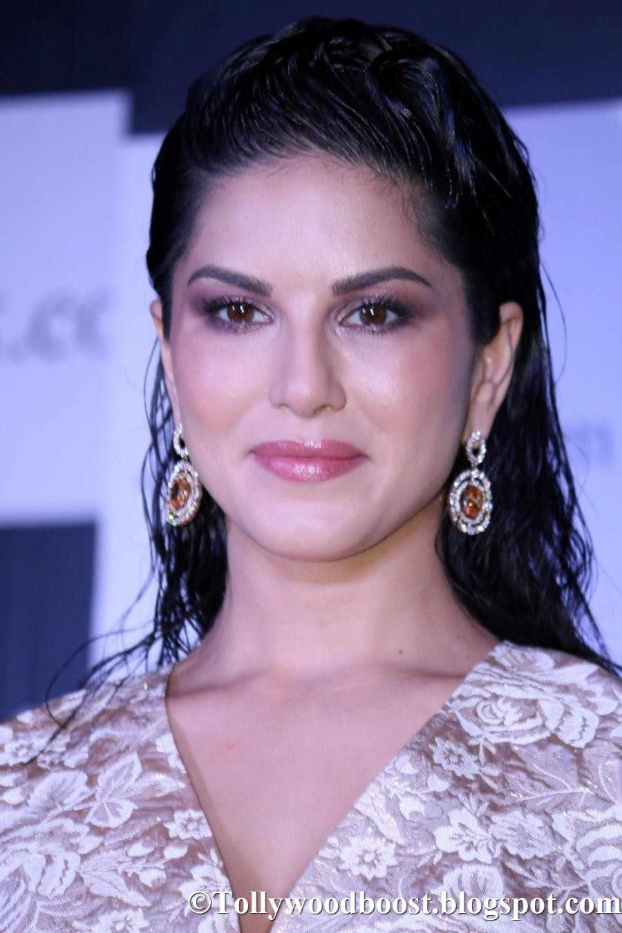 Indian Model Sunny Leone Hot Oily Face Close Up Photos