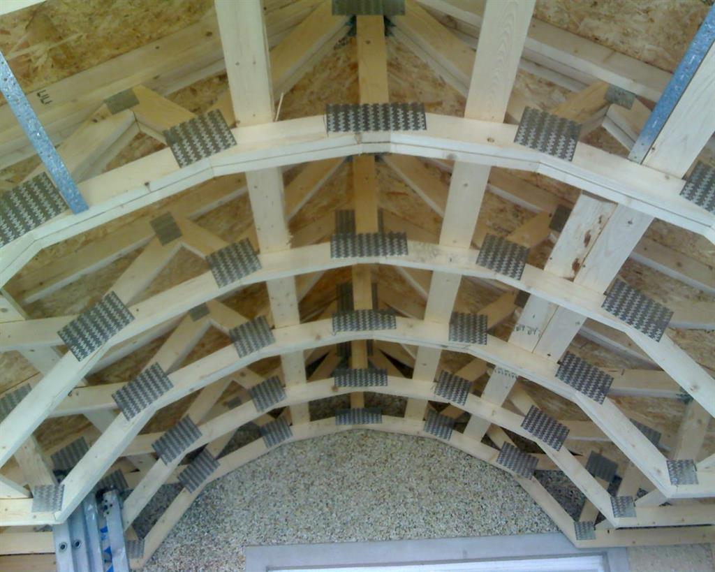 curved roof truss