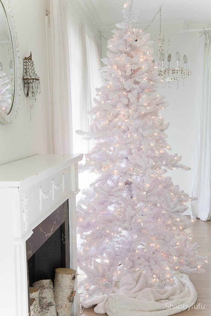 white-christmas-tree-with-lights