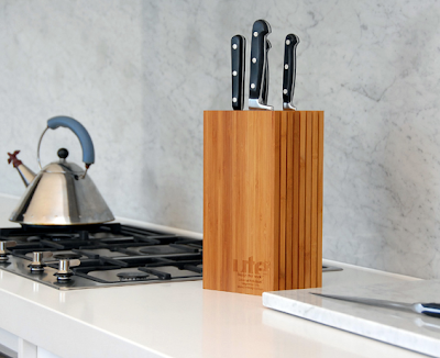 upright knife block for up to 20 knives