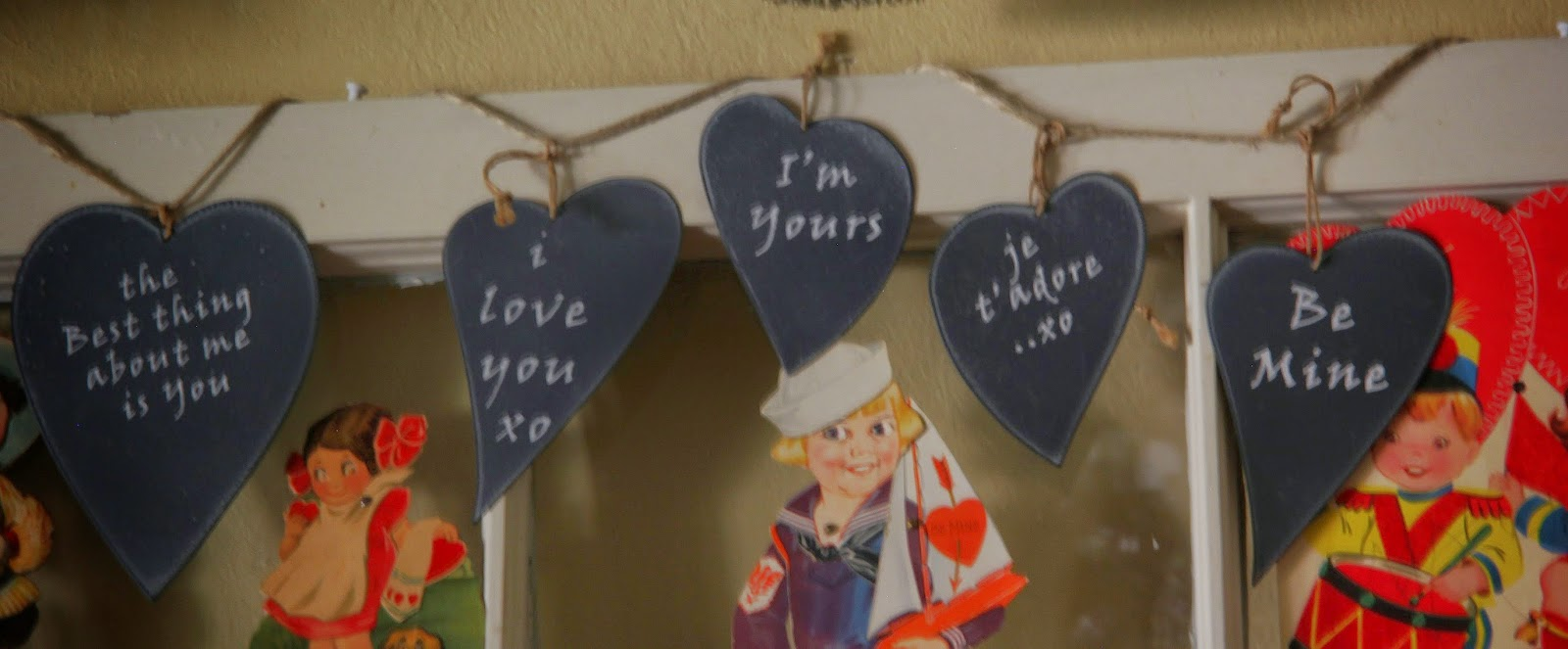 Valentines Decor-Bargain Decorating with Laurie