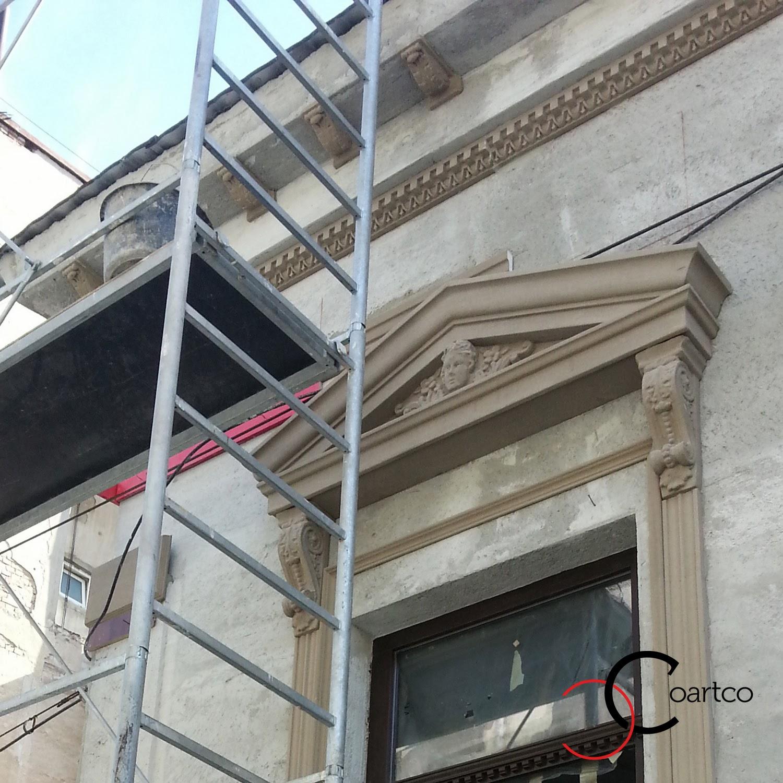 montare fronton geam cu cap inger, profil decorativ fatada, profile ornamentale geam