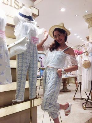 http://ameblo.jp/lizlisa-official/entry-11887628523.html