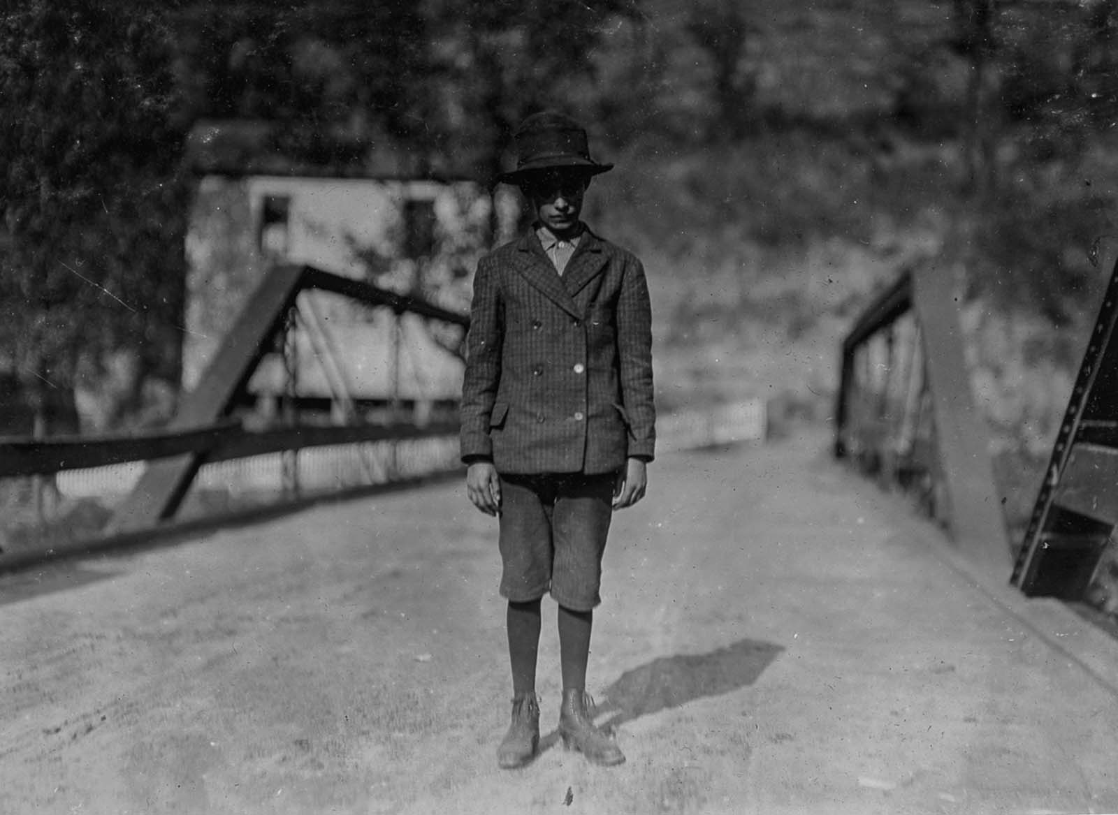 Arlie Fankins, 14, a shoveler in Barnesville Mine in West Virginia. 1908.