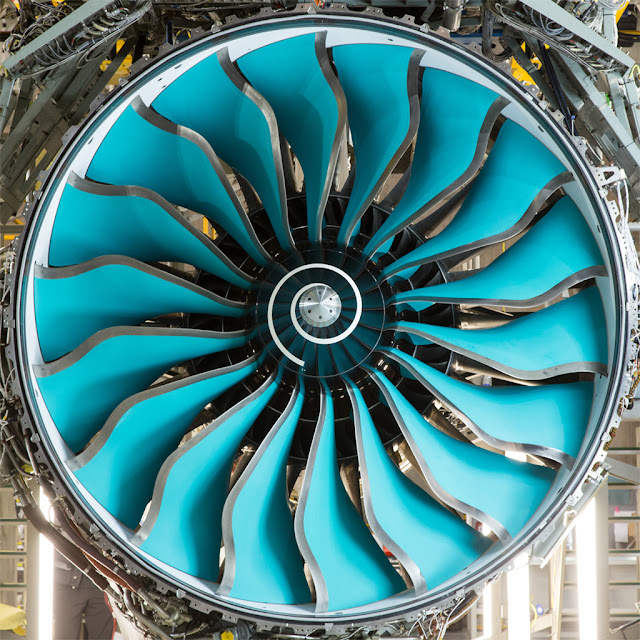 Rolls-Royce Trent 1000 with Composite Blade