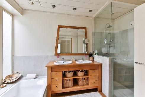 pixabay.com/en/bathroom-wood-furniture-shower-2132342