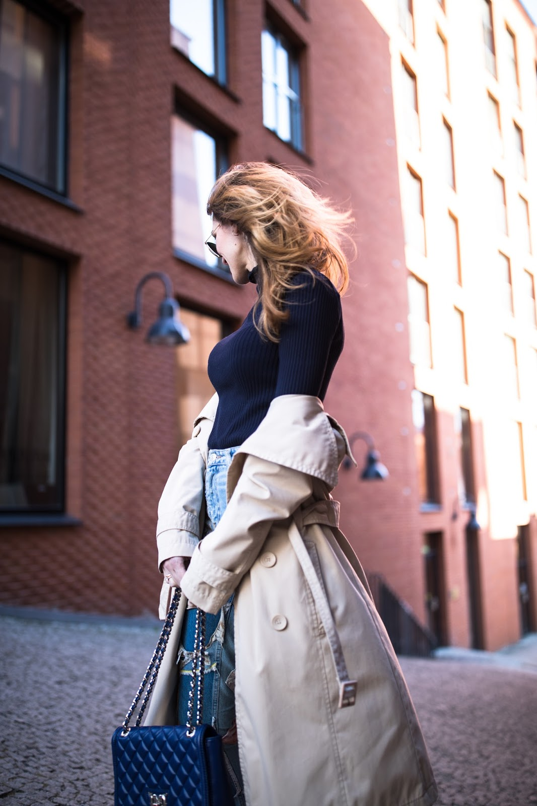 beige trench outfit street style