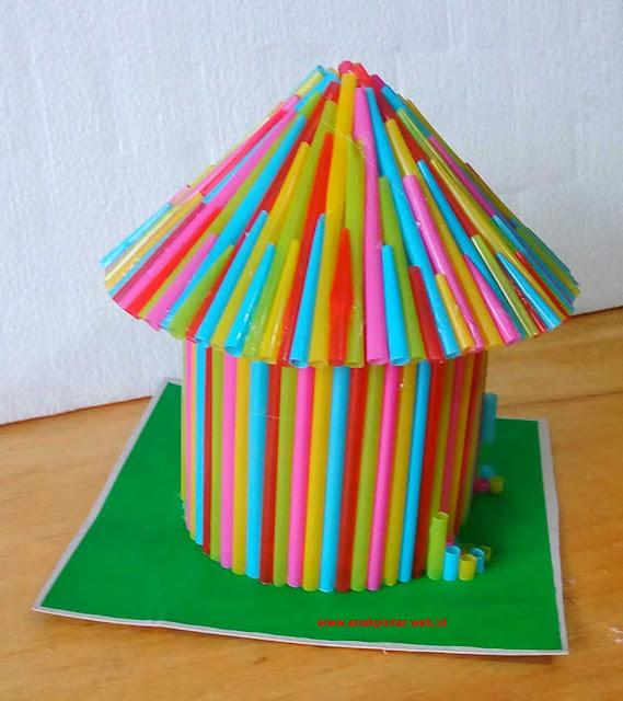 Replika Rumah Honai Dari Sedotan