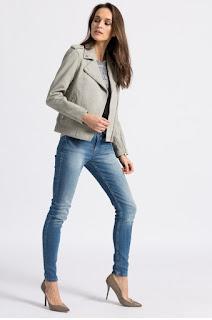 geaca-din-colectia-calvin-klein-jeans10