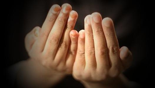 Amalan doa-doa mustajab dan cara agar doa segera dikabulkan Allah