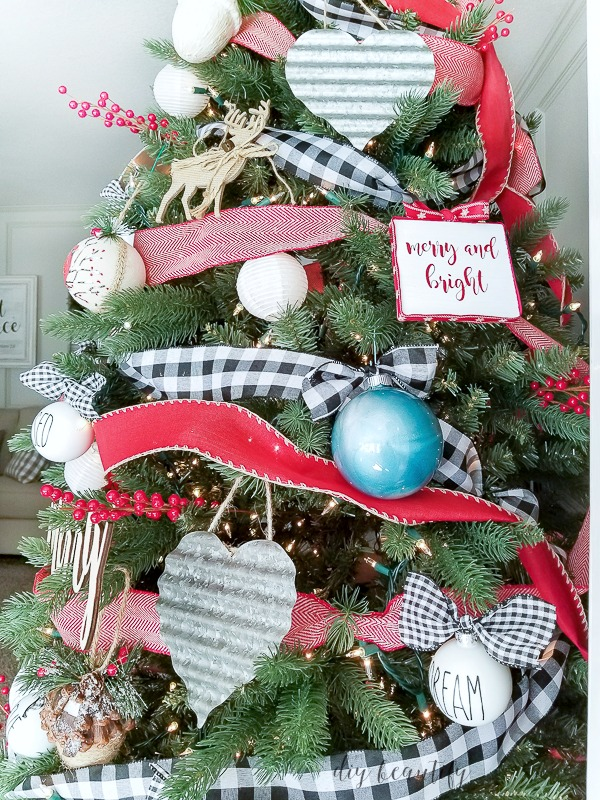 farmhouse decorated tree