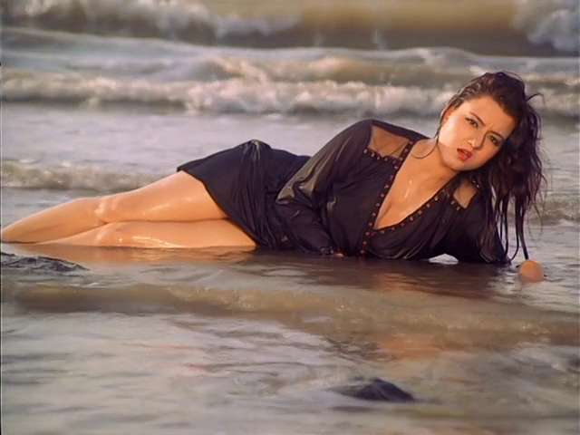 Veerana Jasmine Hot in beach